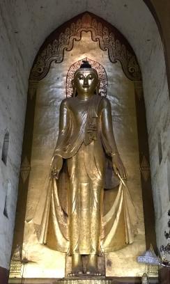 Buddha statue at Ananda Temple